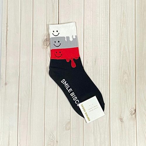 韓國中筒襪-微笑融化-黑底